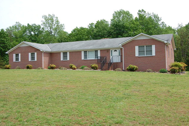 1272  Tuggle Road,  Farmville, VA