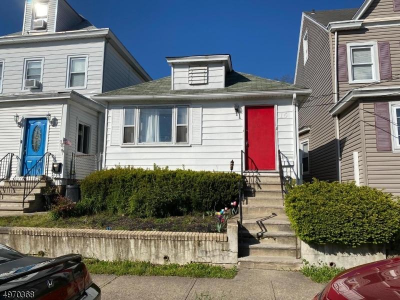 16  Rossiter Ave,  Paterson City, NJ