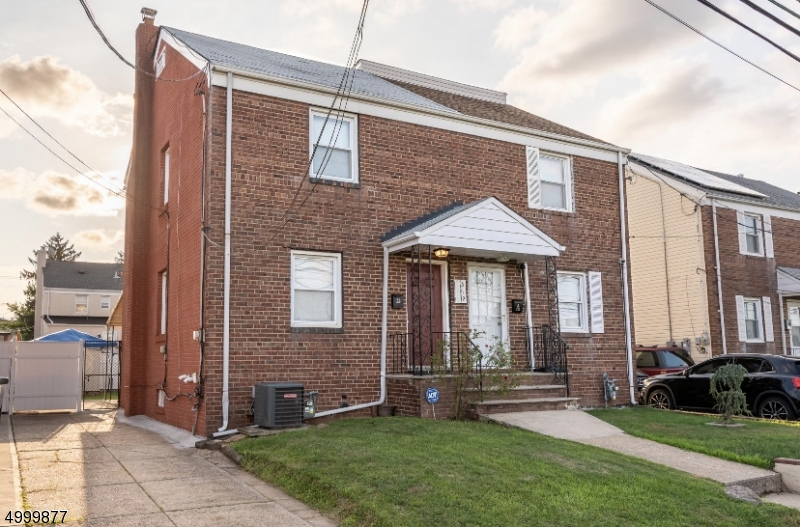 619  B Arnett St,  Elizabeth City, NJ