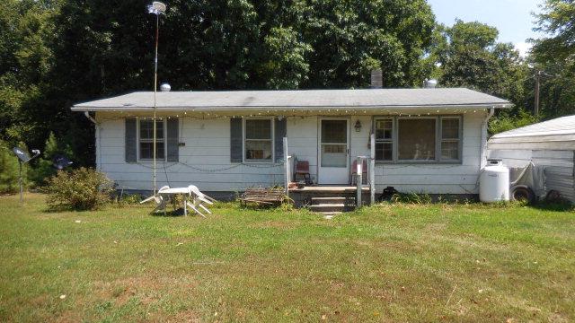 1310  Redd Shop Rd,  Farmville, VA