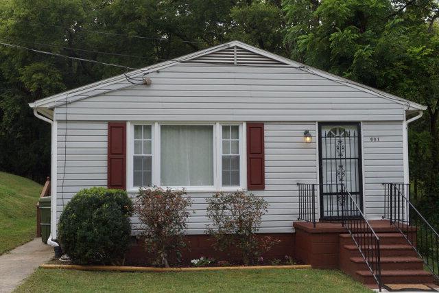 601  Vernon St,  Farmville, VA