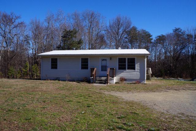 1396  Redd Shop Road,  Farmville, VA