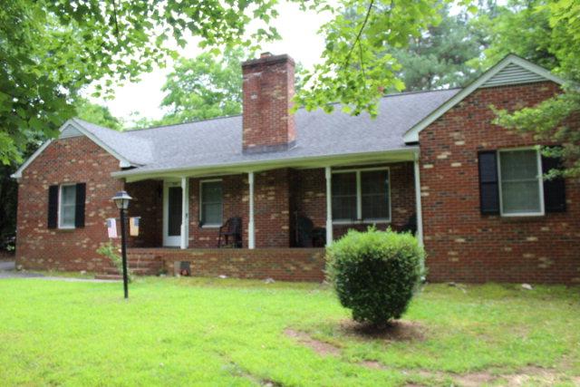 1810  Cumberland Rd,  Farmville, VA