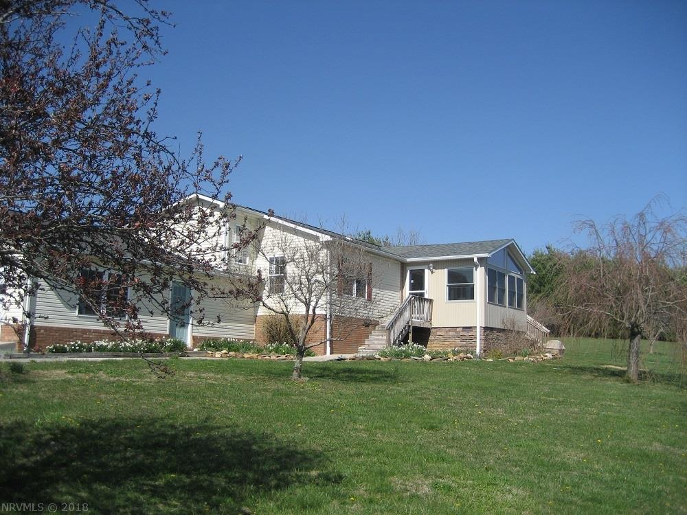 415  Dehart,  Meadows Of Dan, VA