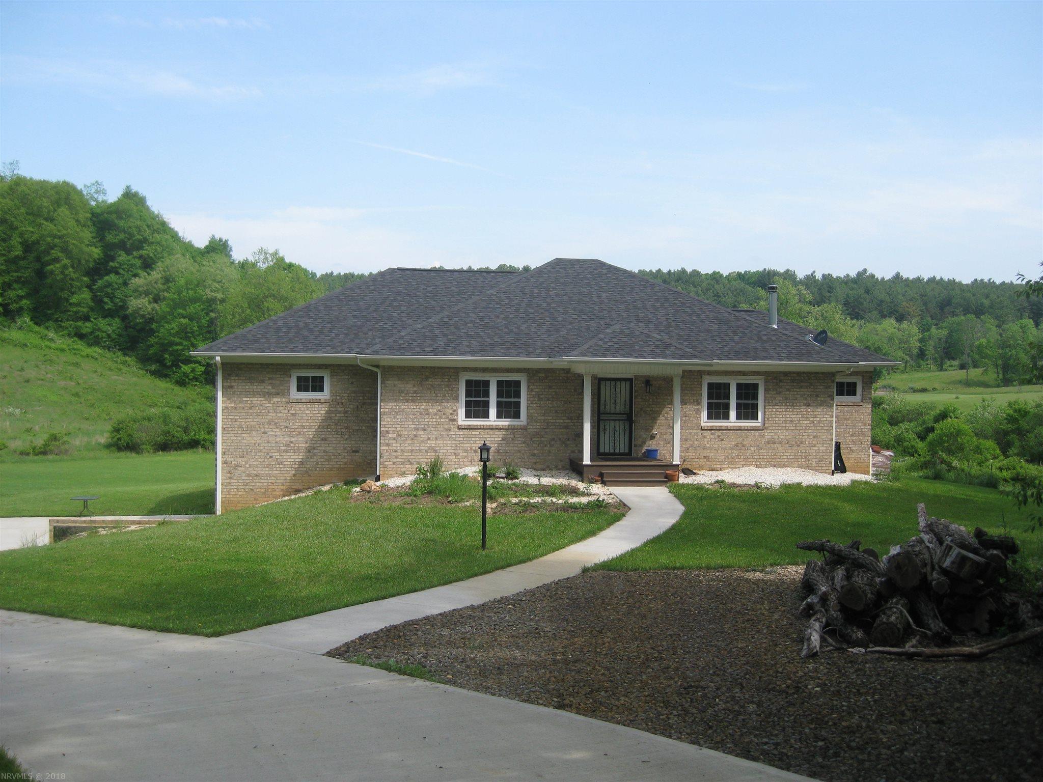 566  Sandy Flats,  Floyd, VA