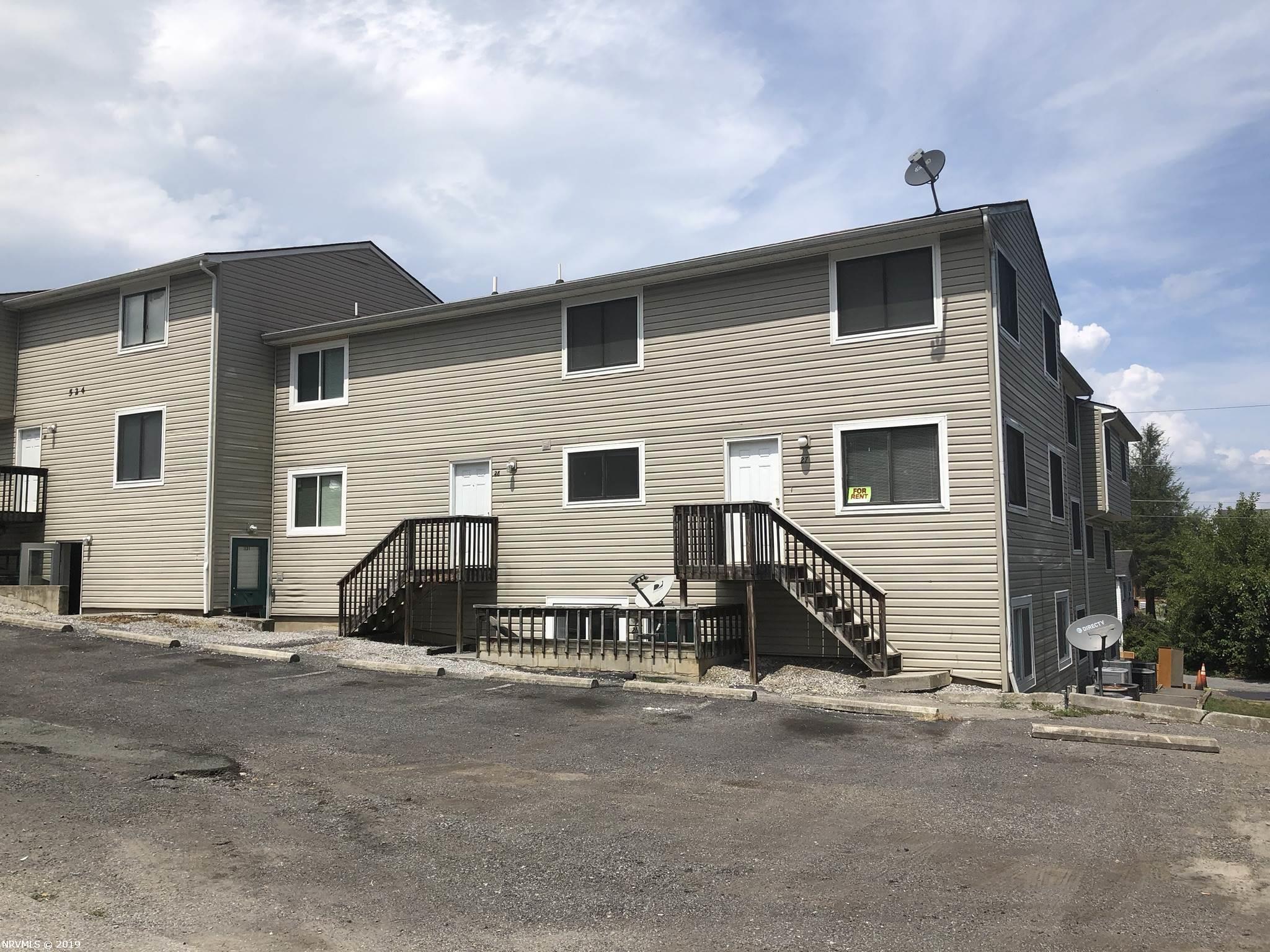 524  Calhoun,  Radford, VA