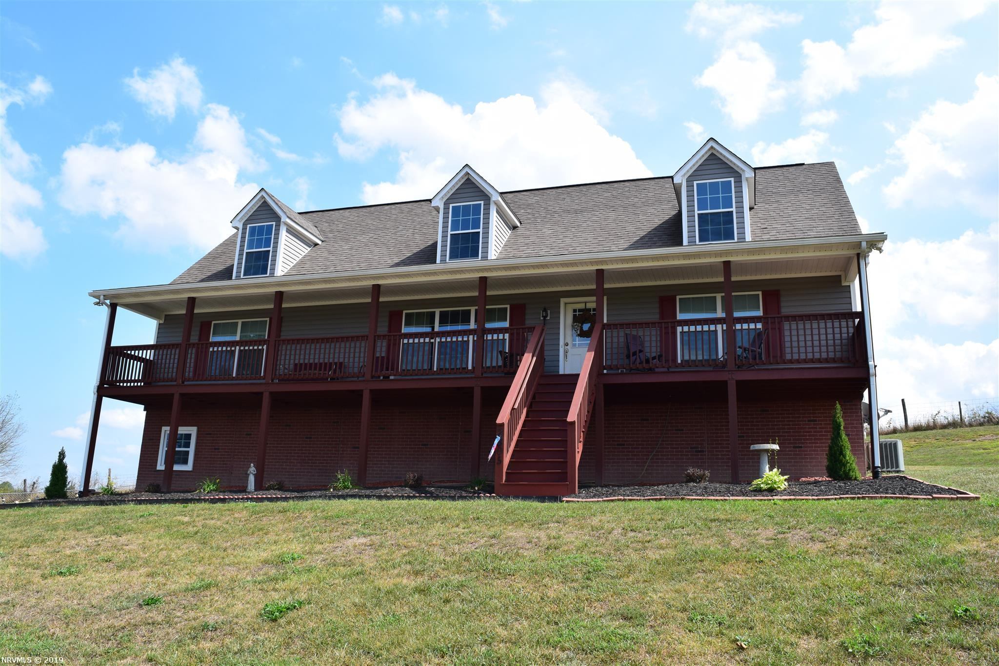 2305  Childress,  Christiansburg, VA