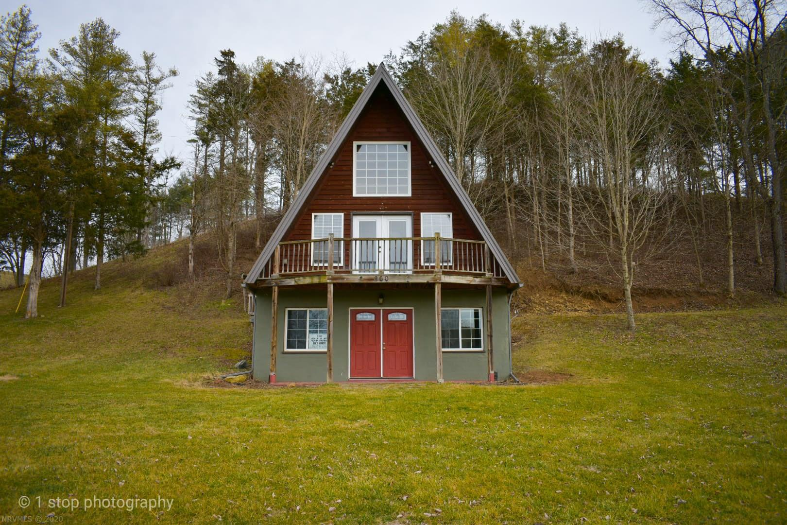 300  Cobb,  Rural Retreat, VA