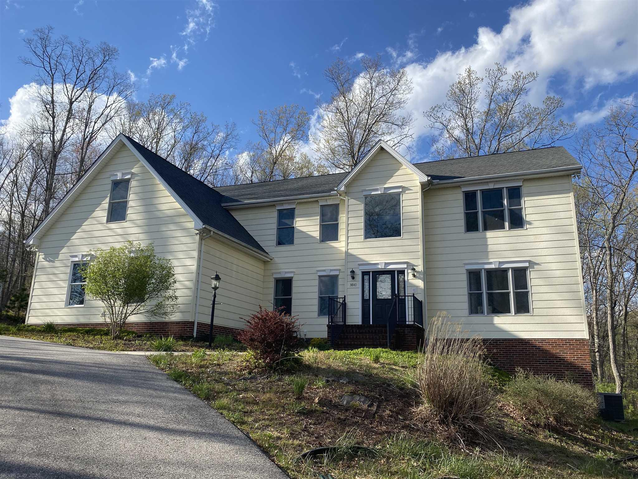 3840  Buck Mountain,  Blacksburg, VA