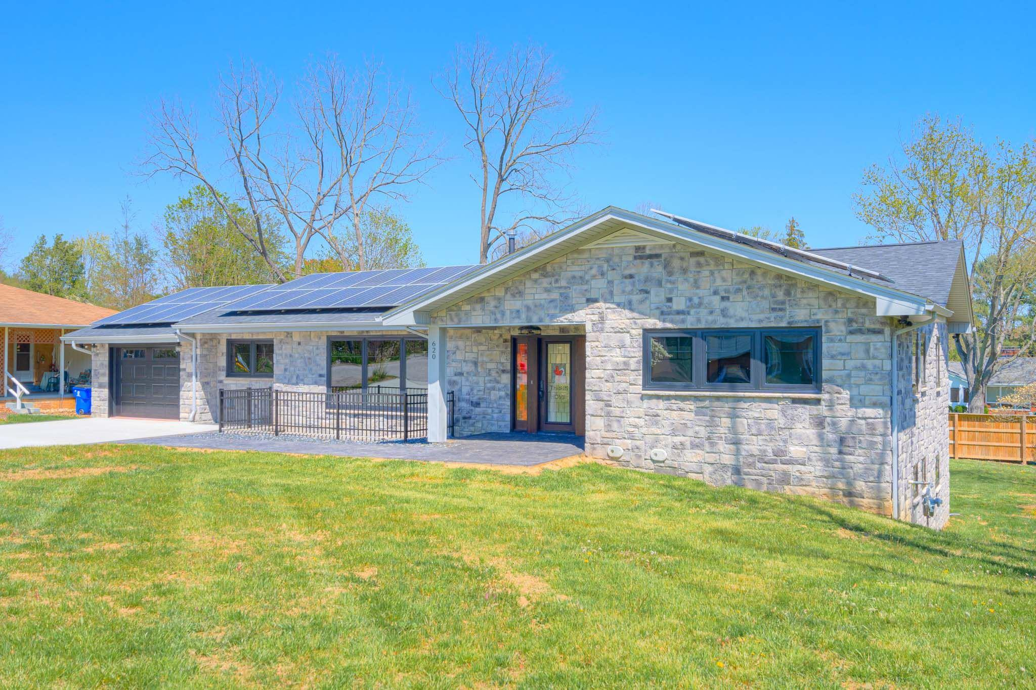 620  Woodland,  Blacksburg, VA