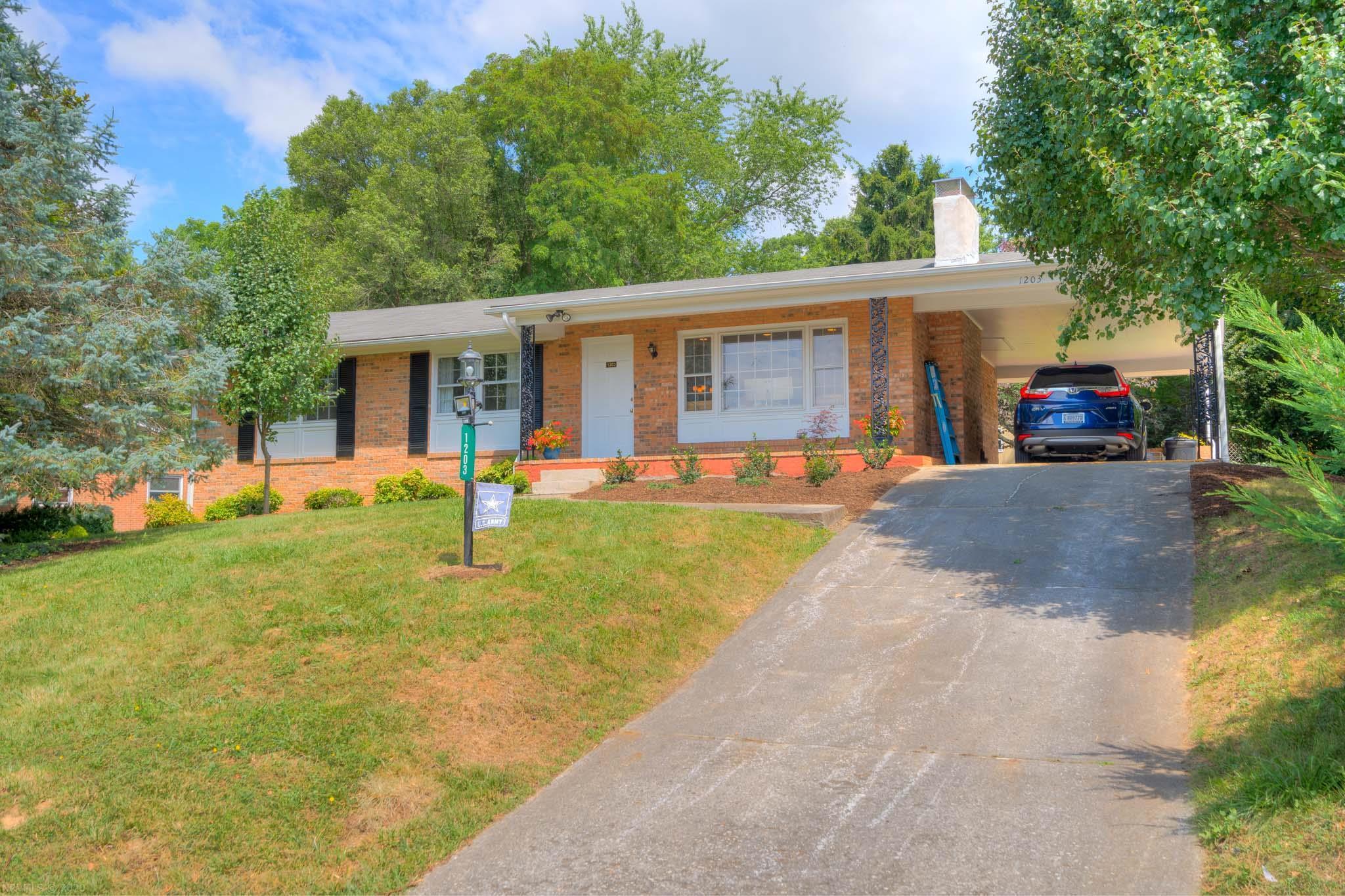 1203  Milton,  Radford, VA