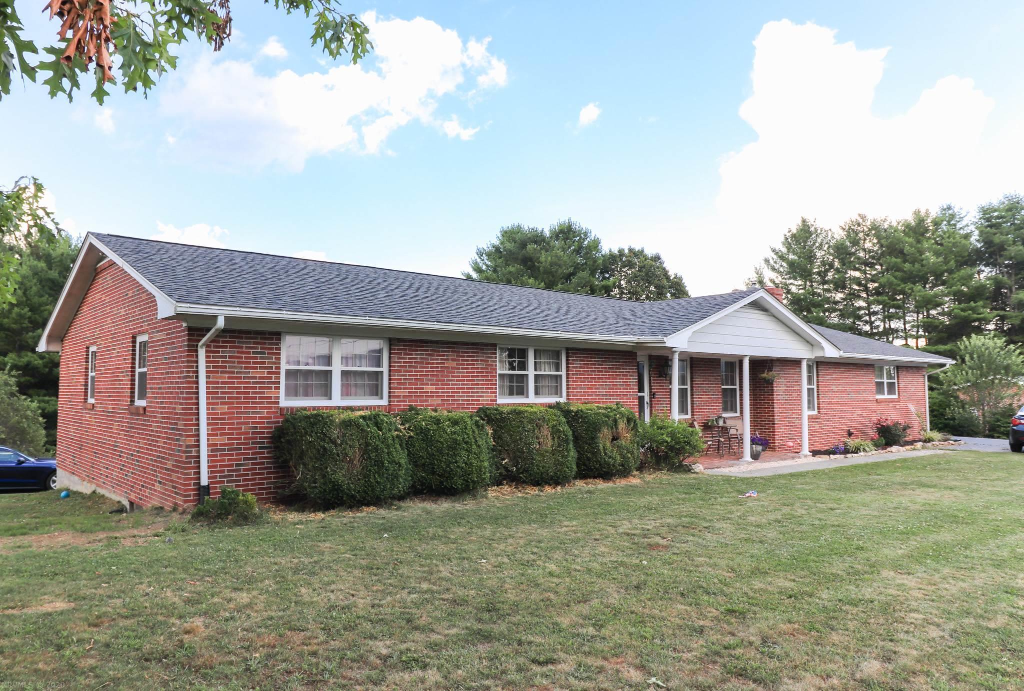 3353  Webbs Mill,  Floyd, VA