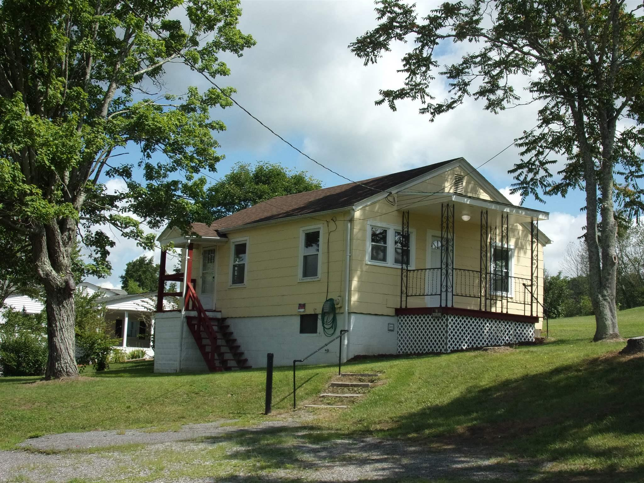 154  Stanley Hill,  Peterstown, WV