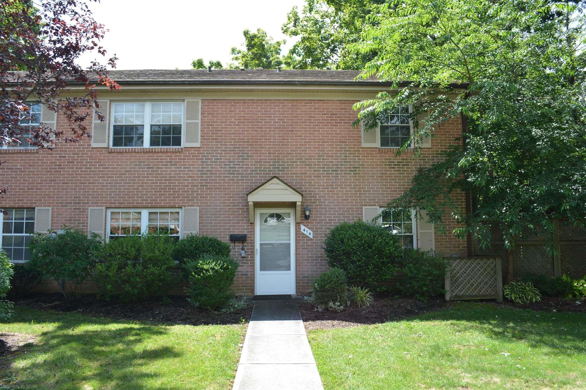414  Marlington,  Blacksburg, VA