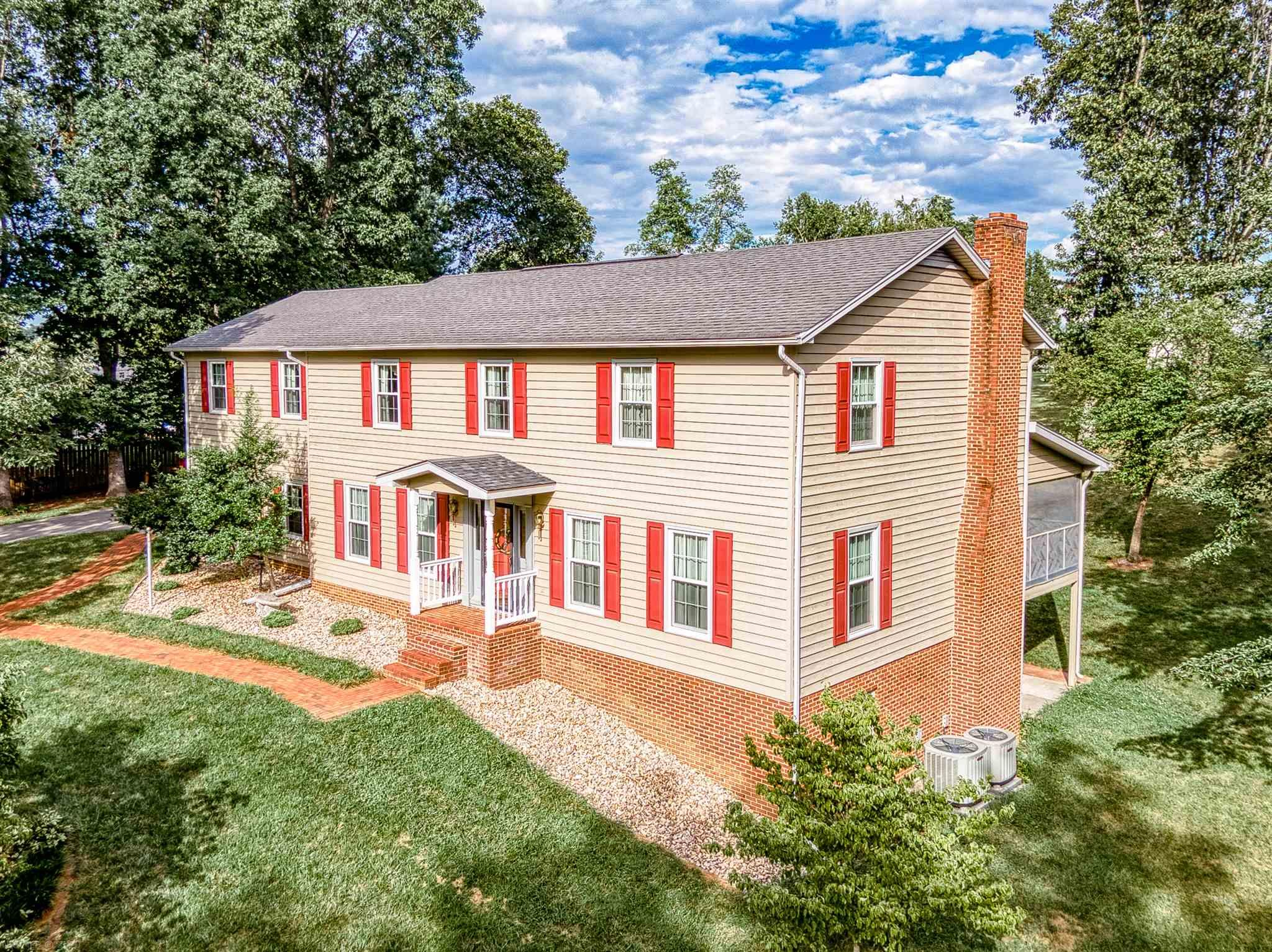 40  Diamond,  Christiansburg, VA
