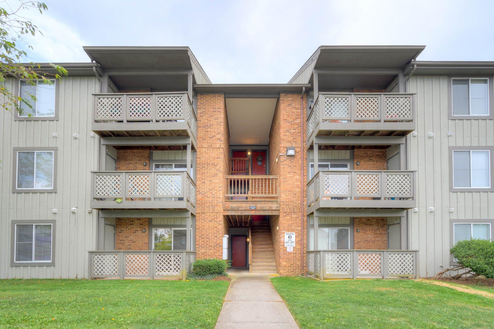 855  Claytor,  Blacksburg, VA