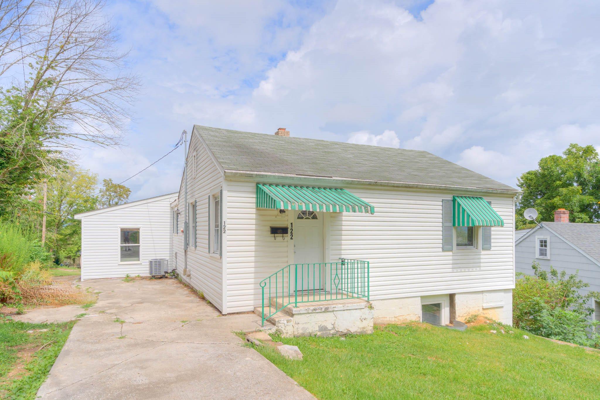 122  Monroe,  Radford, VA