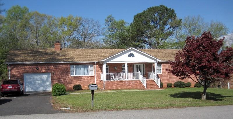 503  Northview Drive,  Farmville, VA