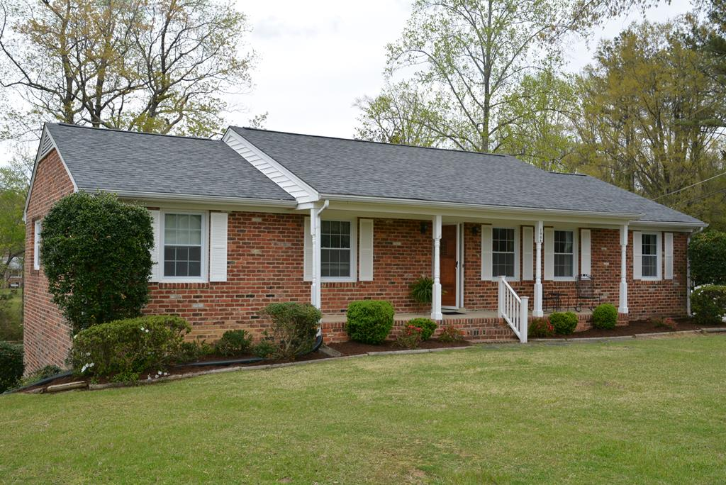 1008  Fourth Avenue Ext.,  Farmville, VA
