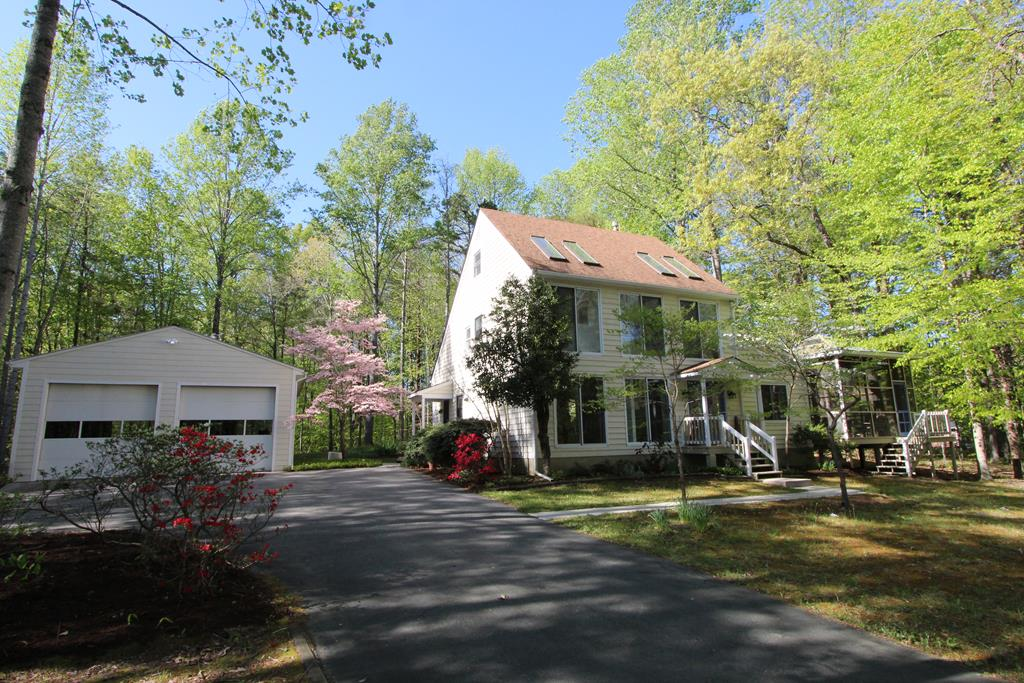 1670  Dodd Street,  Farmville, VA
