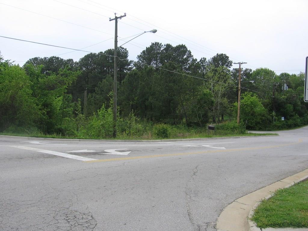 2100  Peery Drive,  Farmville, VA