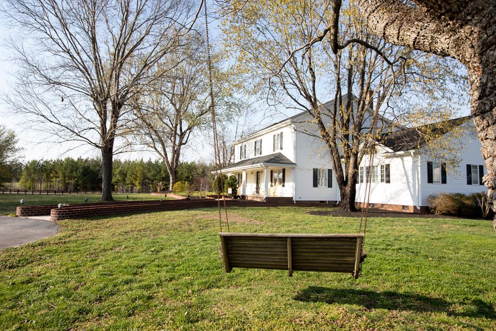 3122  West Creek Road,  Crewe, VA