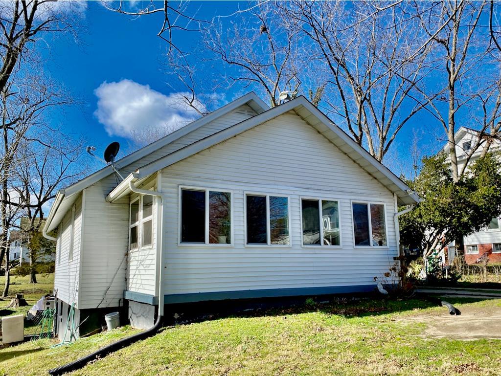 410  East Tennessee Avenue,  Crewe, VA
