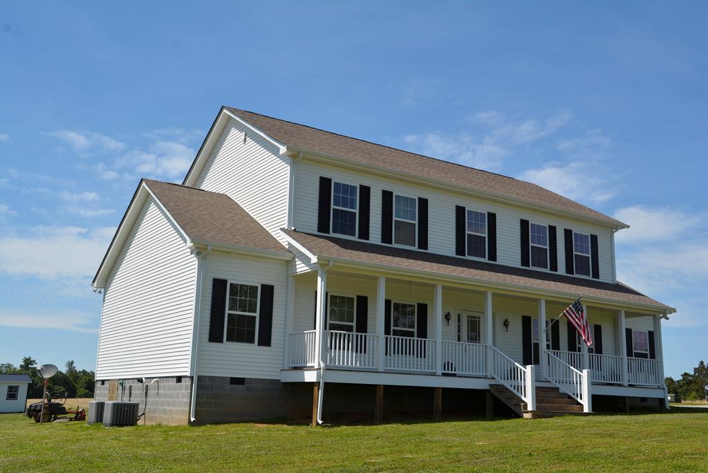 321  John Randolph Rd.,  Farmville, VA