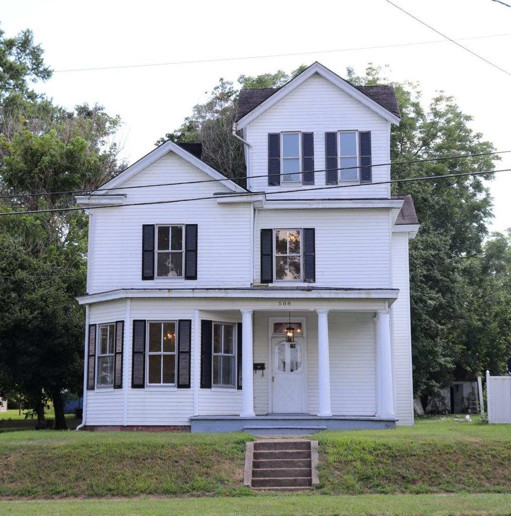 508  E. Virginia Avenue,  Crewe, VA