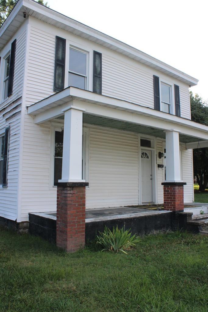 512  E. Virginia Ave.,  Crewe, VA