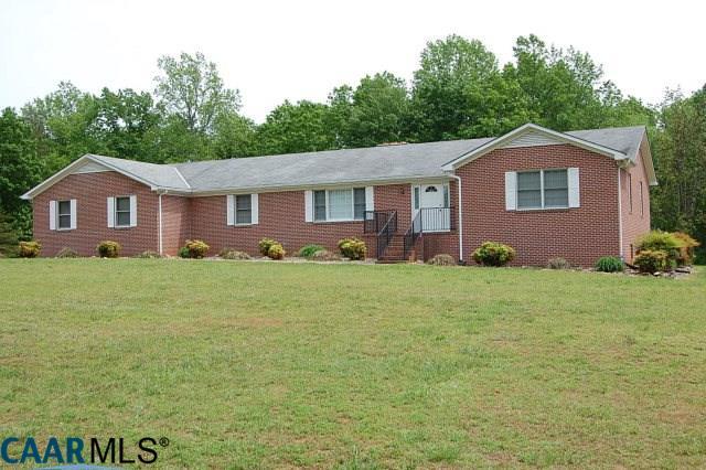 1272  Tuggle Rd,  Farmville, VA