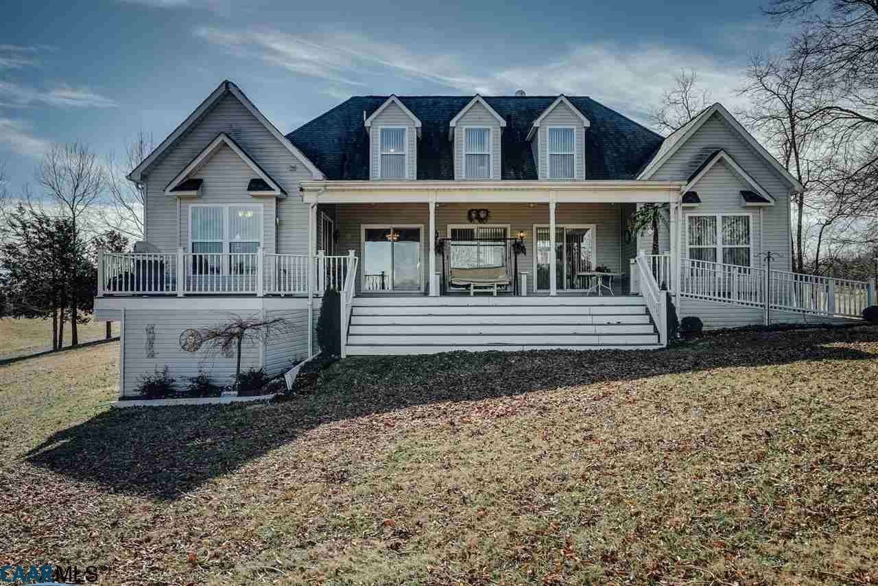 2561  Peach Grove Rd,  Louisa, VA