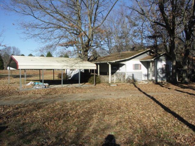 561  Tabernacle Road,  Buffalo Junction, VA