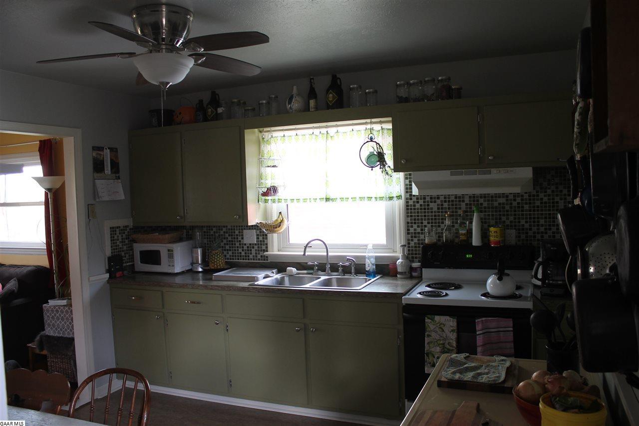 323 Hoover St, Staunton, VA, 24401