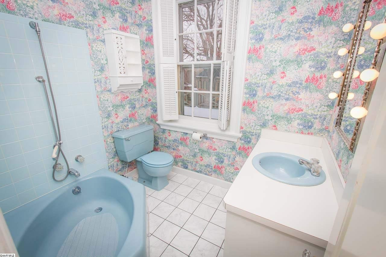 385 Sherwood Ave, Staunton, VA, 24401