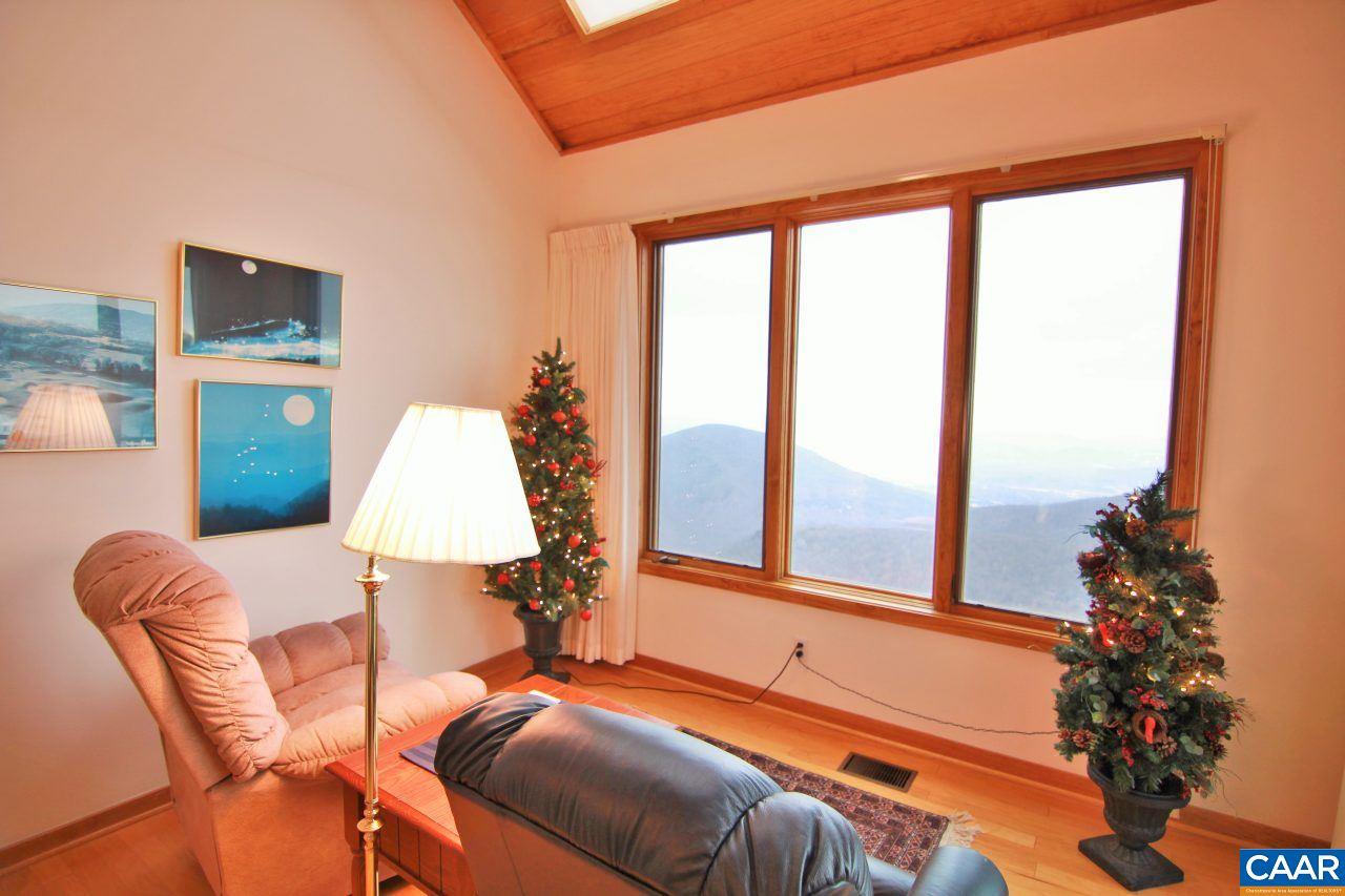 1562 Vistas Condos, Wintergreen Resort, VA, 22967