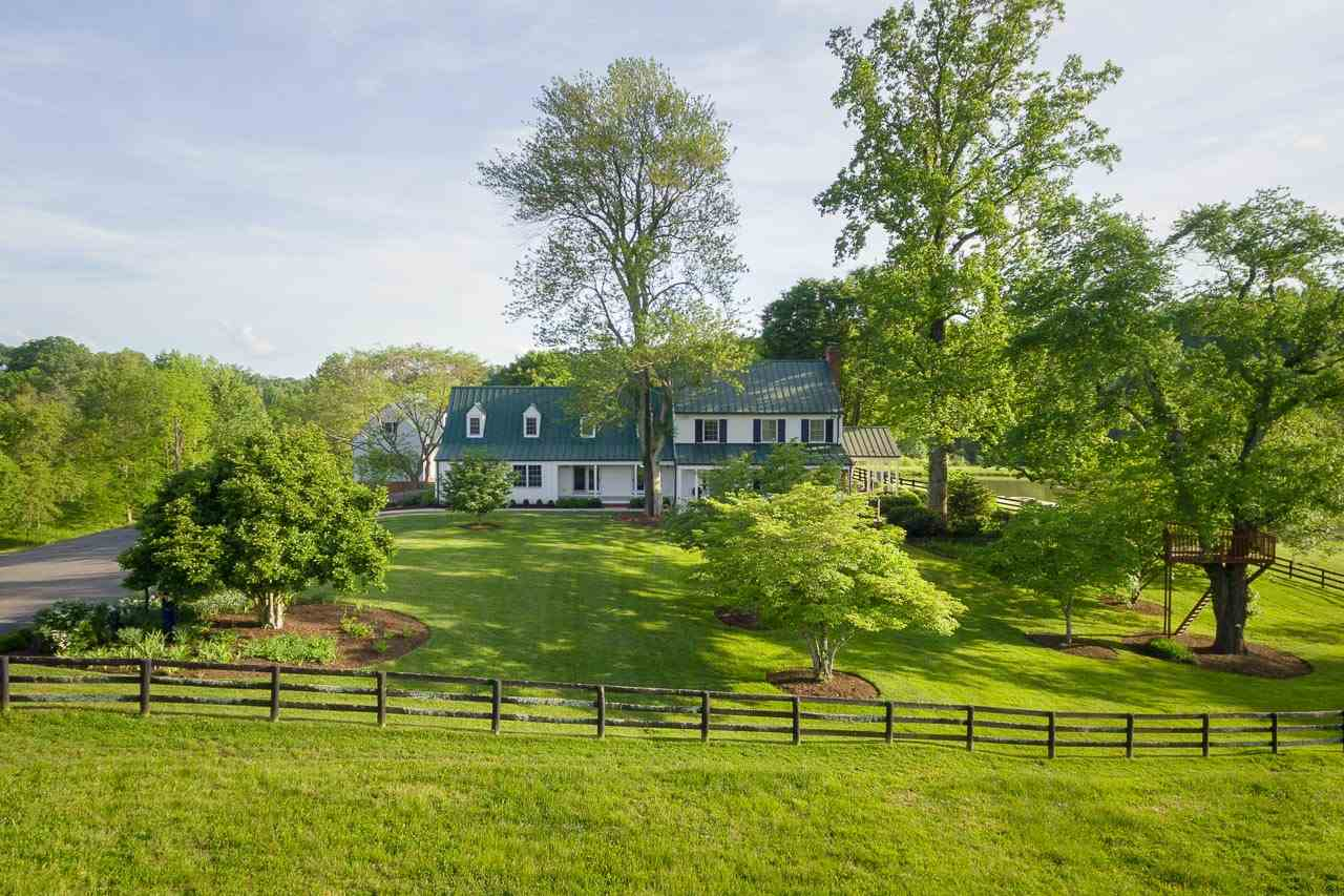 985  Barracks Farm Rd,  Charlottesville, VA