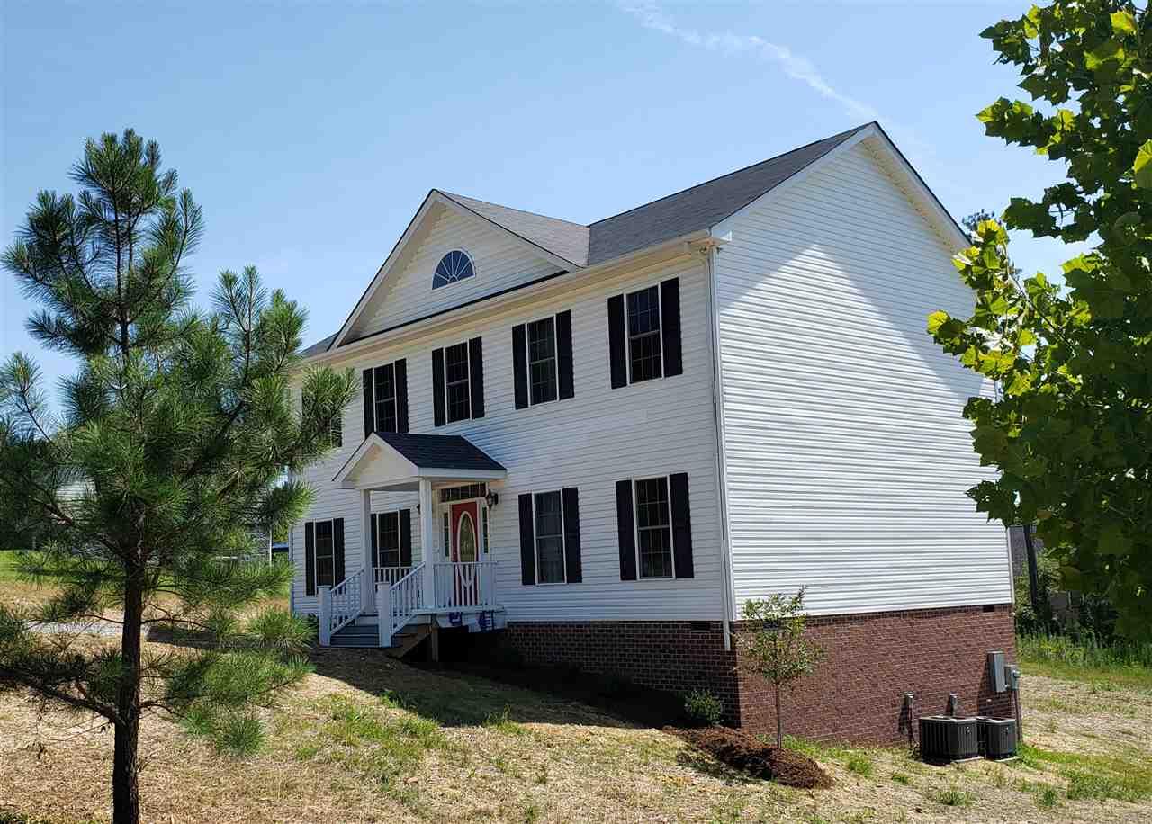 306  Crestview Dr,  Farmville, VA