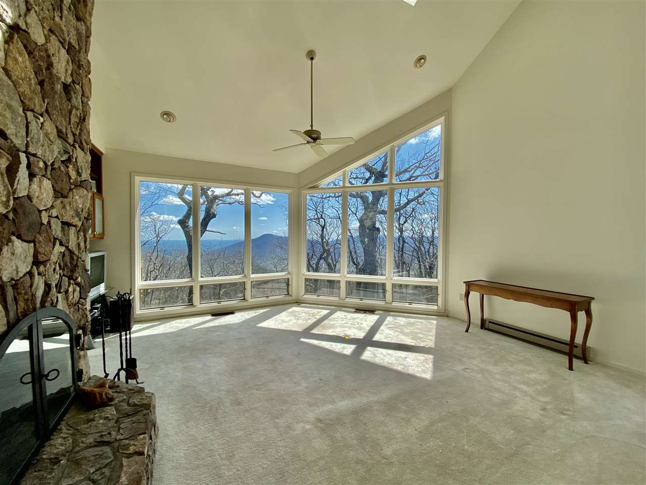 97 Summit Ln, Wintergreen Resort, VA, 22967
