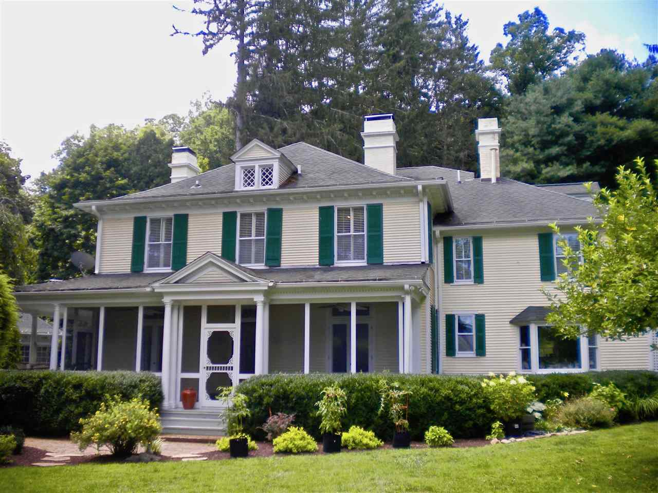 240 Frenchs Hill Dr, Hot Springs, VA, 24445