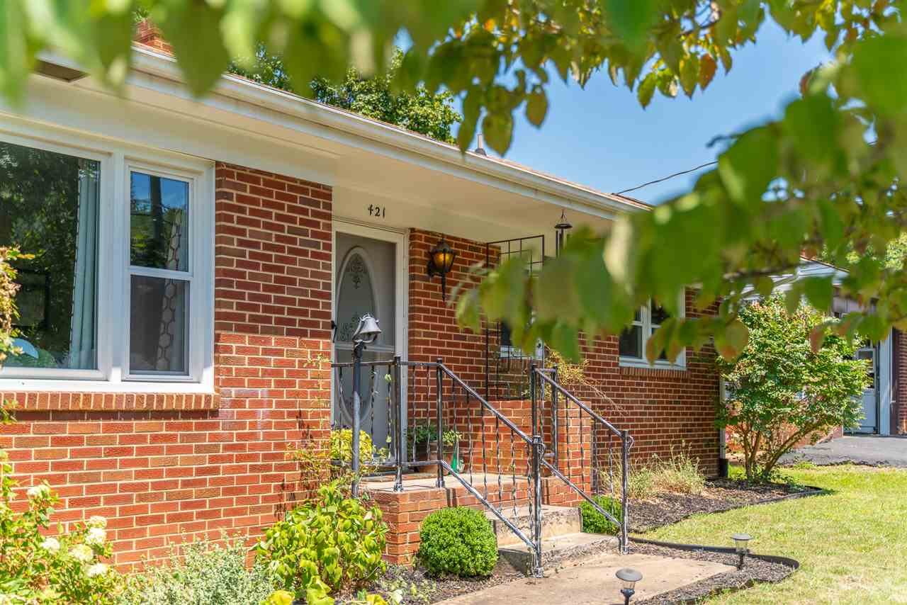 421 Sterling St, Staunton, VA, 24401