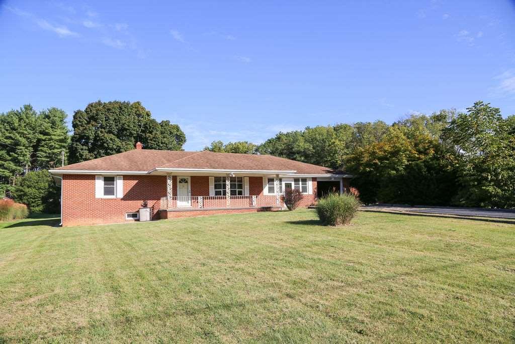 76 Berry Farm Rd, Staunton, VA, 24401