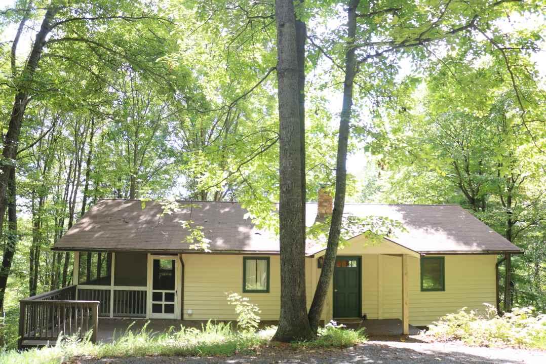 1452  Perry Ln,  Lovingston, VA