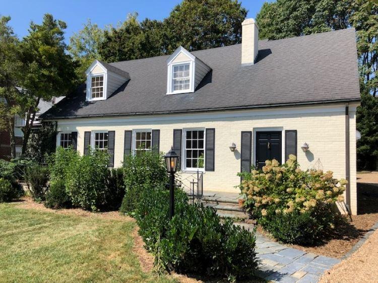 1622  Augusta St,  Staunton, VA