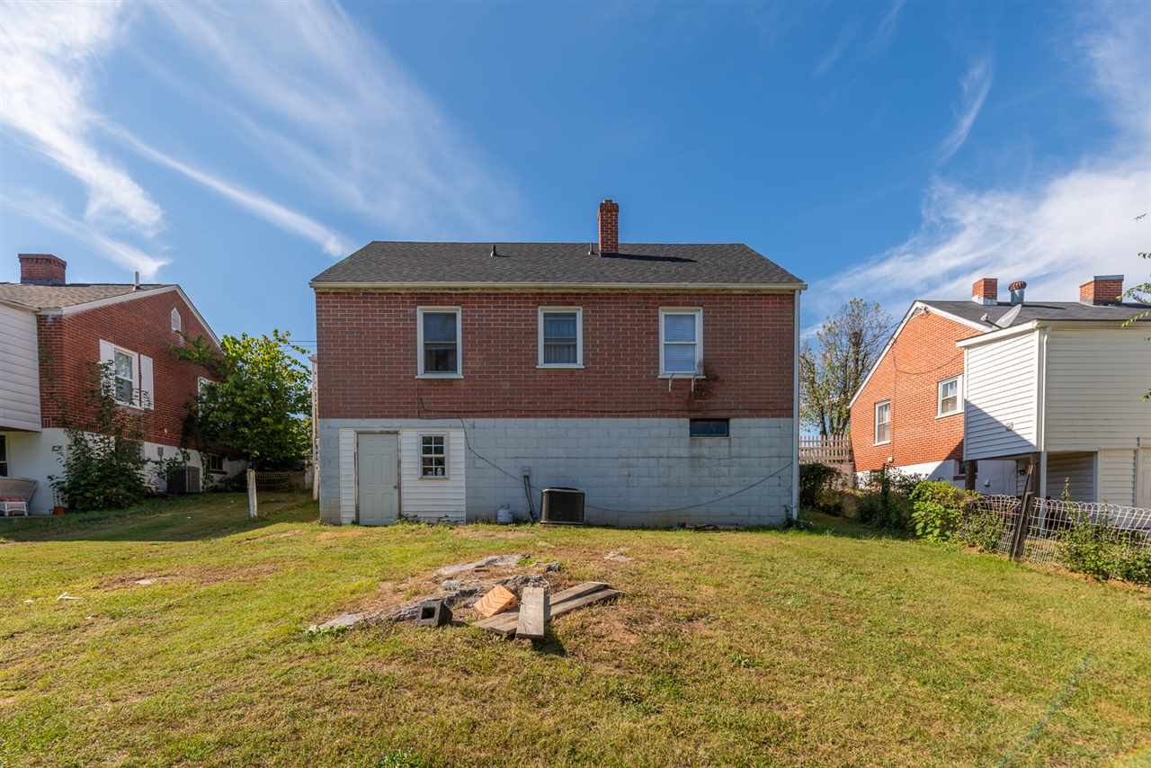 325 Grubert Ave, Staunton, VA, 24401