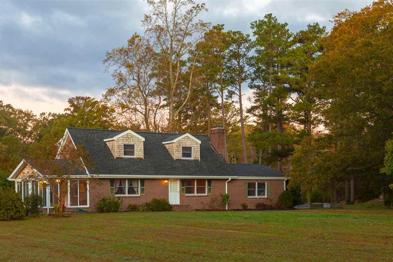 793  Chapel Neck Rd,  North, VA