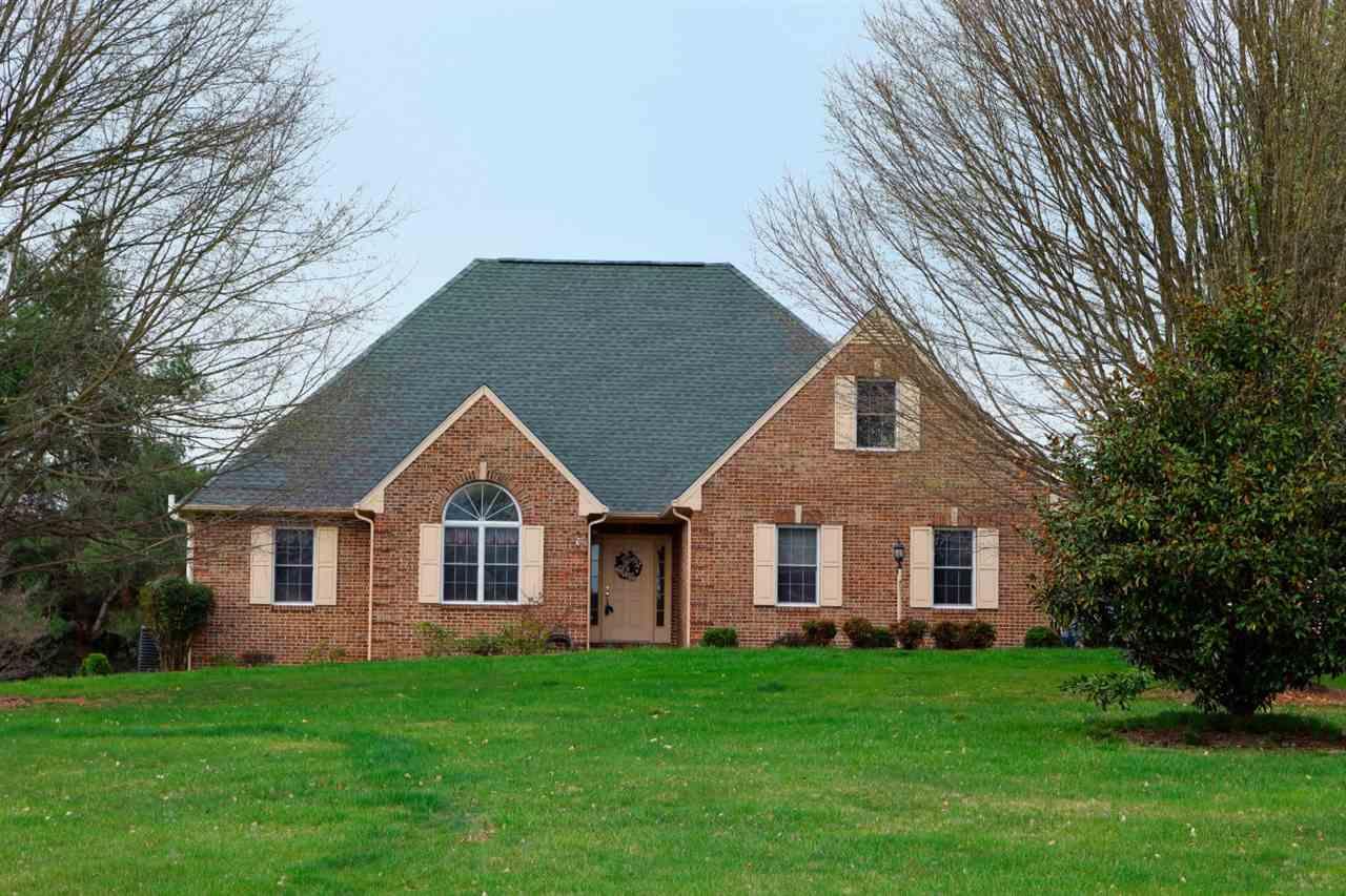 35  Porterfield Ln,  Waynesboro, VA