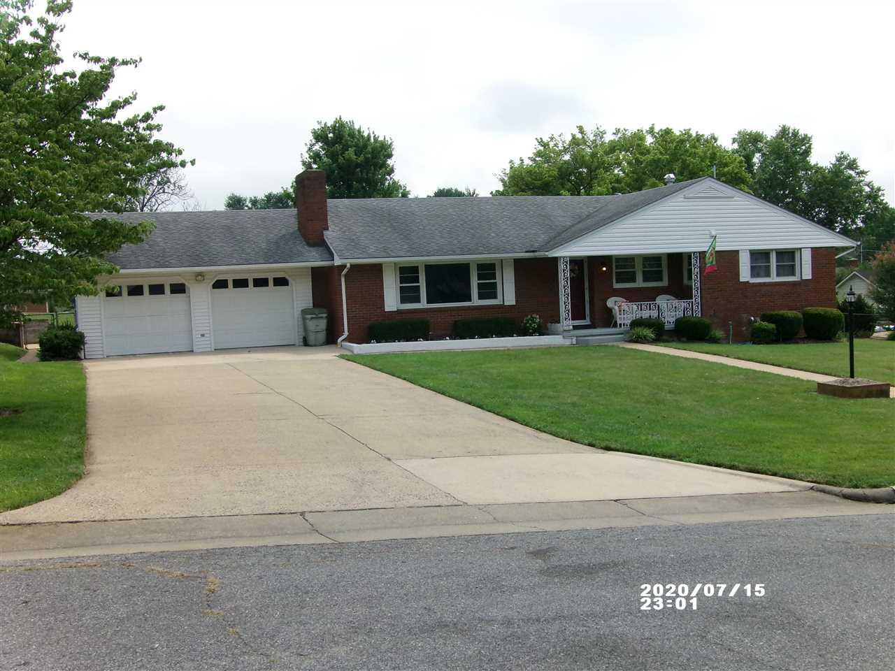 2805  Village Dr,  Waynesboro, VA