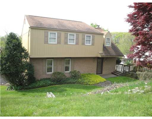1609  Princess Lane,  South Park, PA