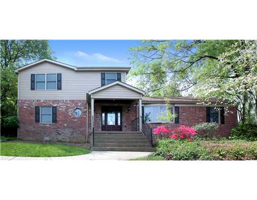 272 Trotwood Drive, Upper St. Clair, PA, 15241